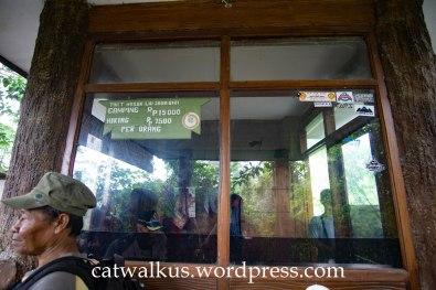 Pos Tiket Treking Tangkuban Perahu via Jayagiri